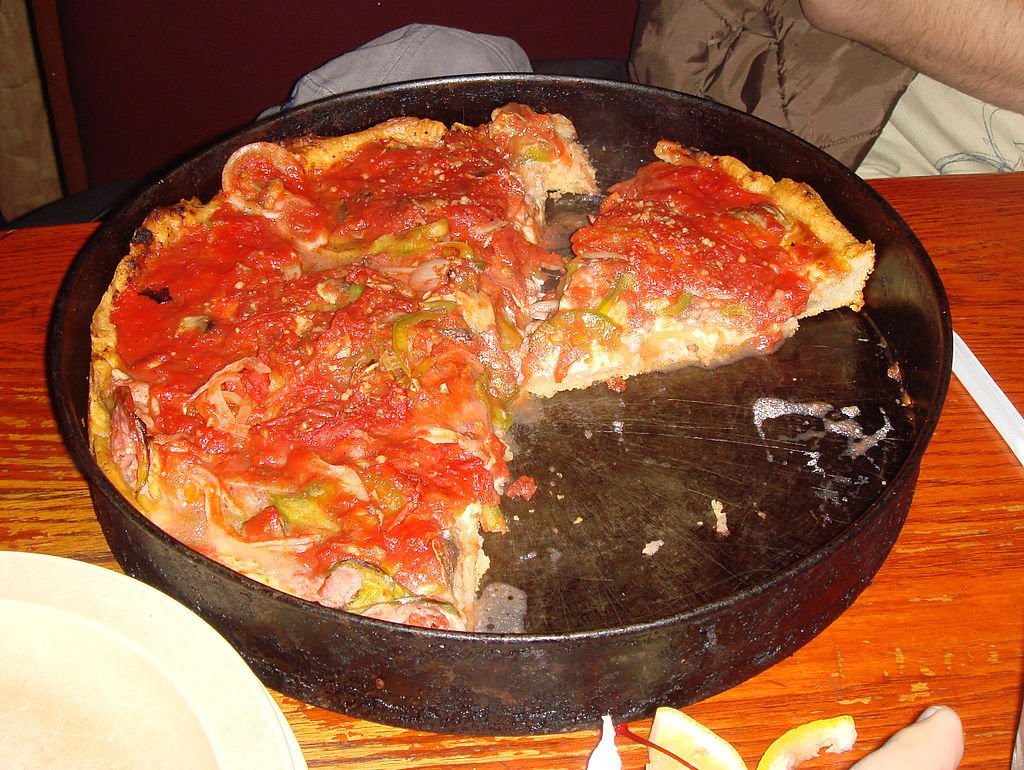 6 famous chicago pizza places you need to visit the clare for Pizzeria uno chicago